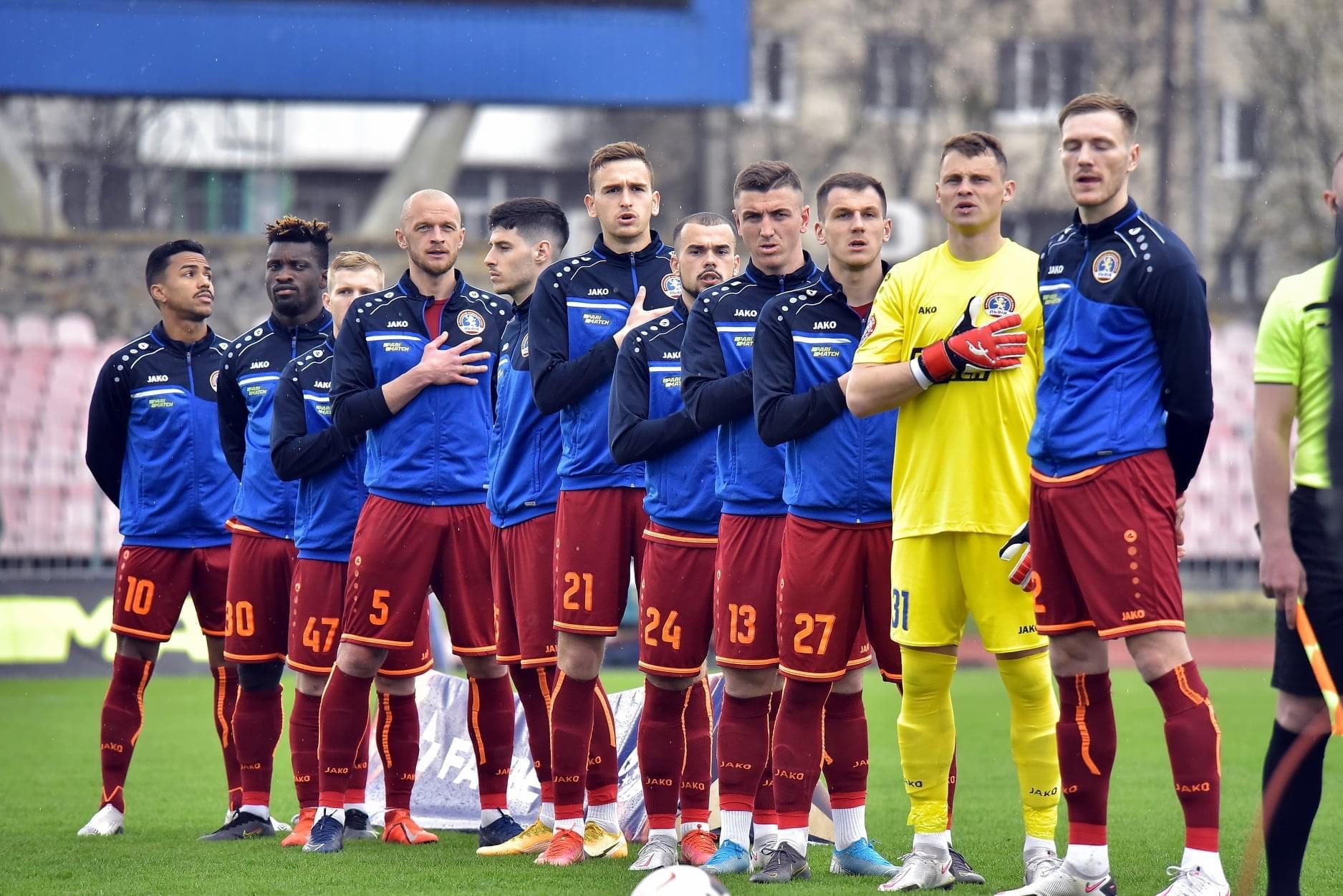 Вратарь Львова Александр Ильющенков играет в перчатках Brave GK - официальный интернет-магазин