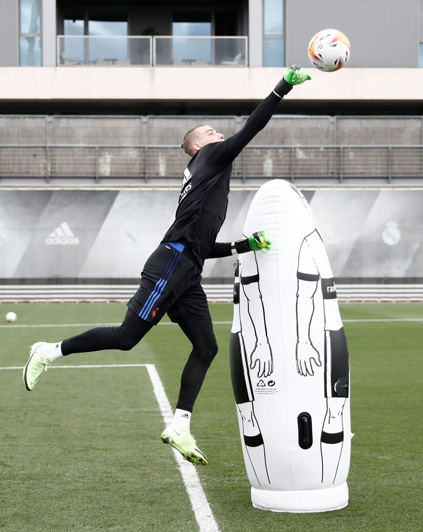 Brave GK Андрей Лунин