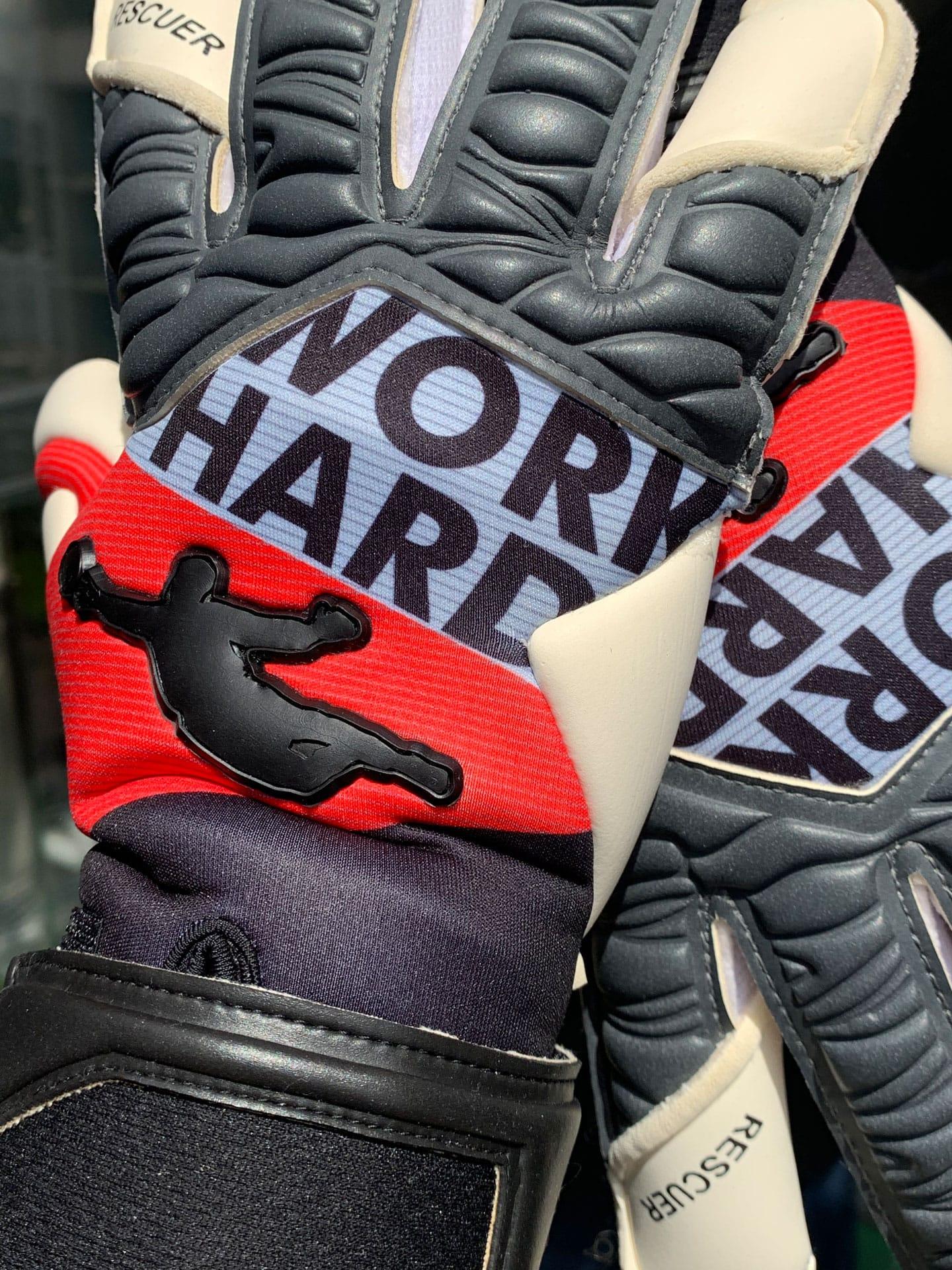 Нові воротарські рукавиці Brave GK Rescuer Work Hard