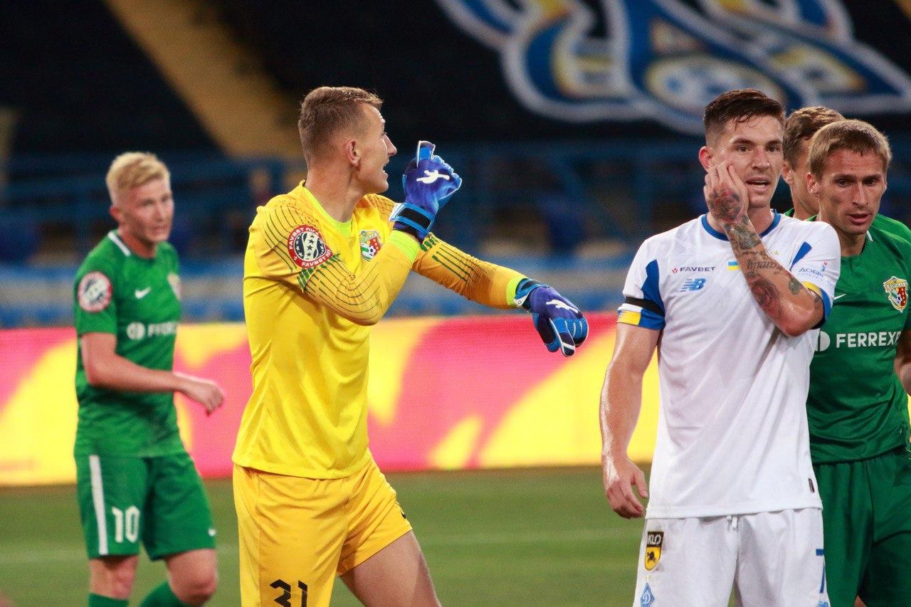 Дмитрий Резник в перчатках Brave GK интернет-магазин Brave GK
