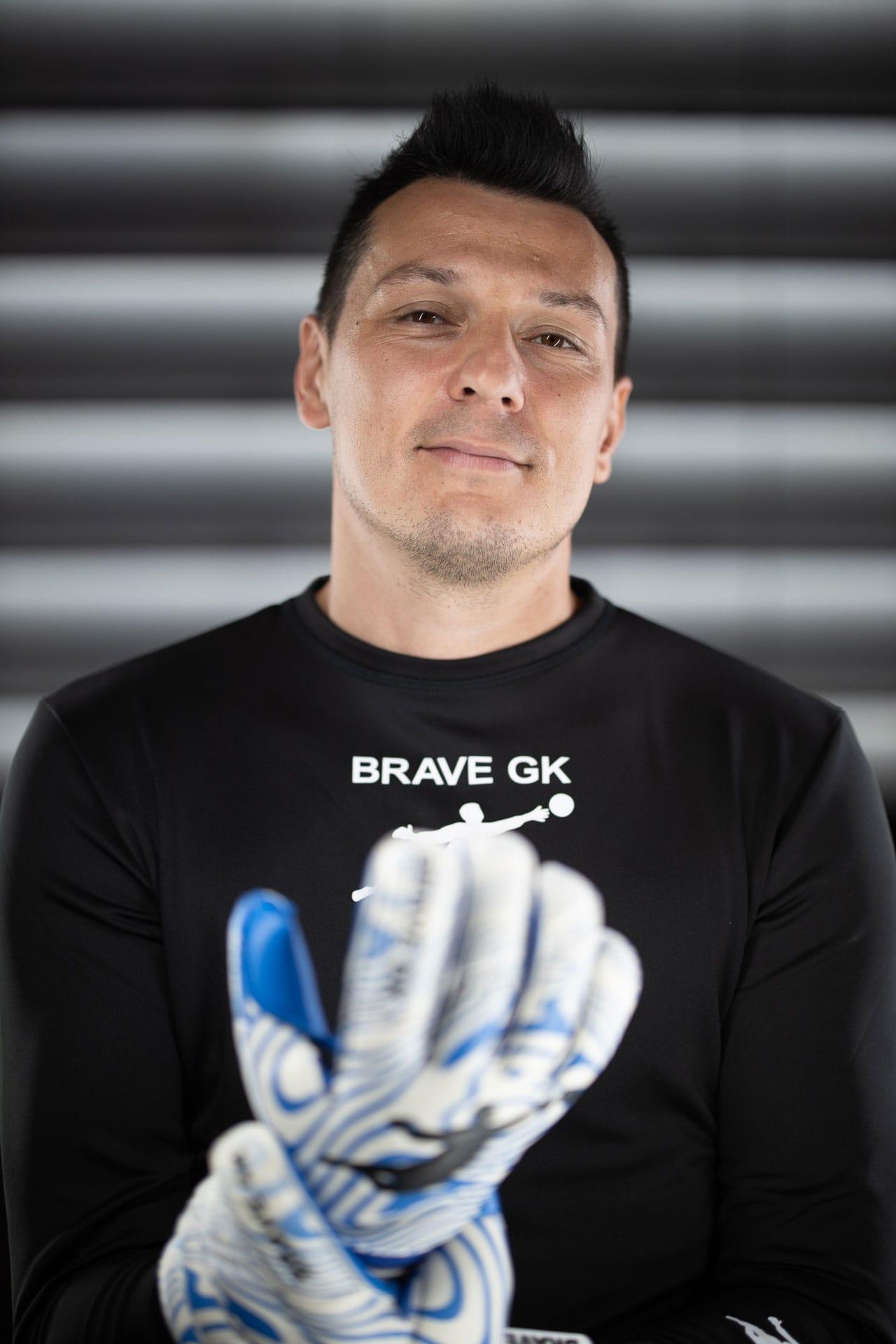 Интервью Худжамова для Brave GK - официальный интернет-магазин Brave GK