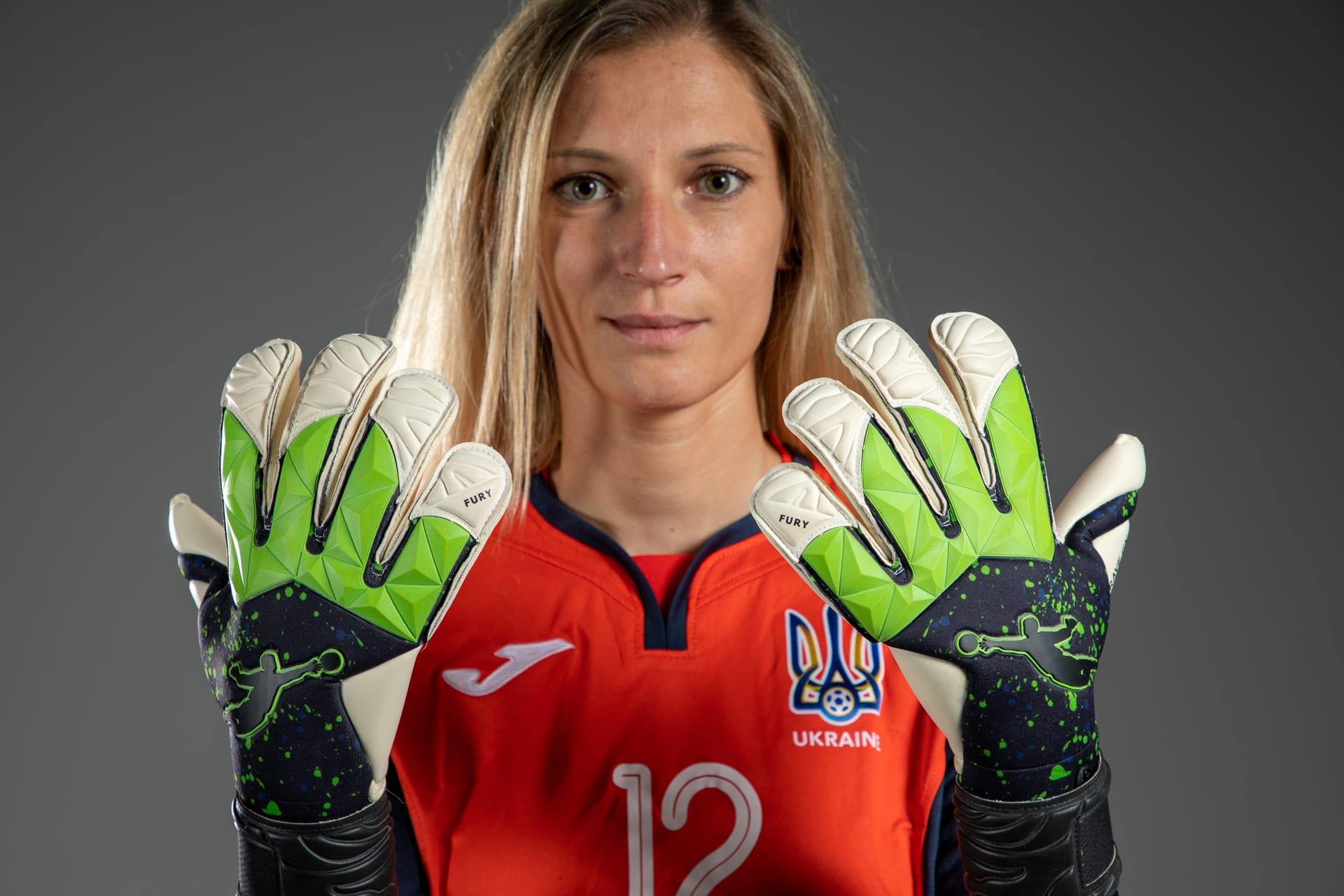 Brave GK – перший бренд в Україні, який створив воротарські рукавиці для жінок - інтернет-магазин Brave GK