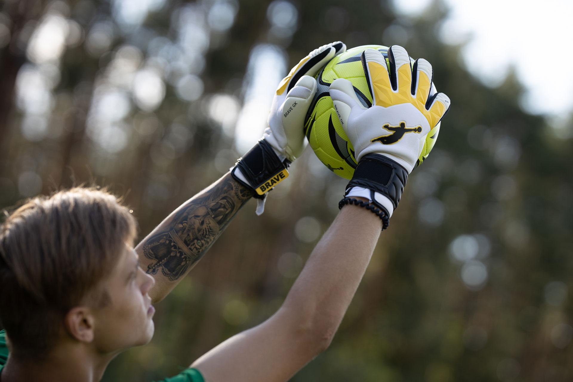 Серія рукавиць для воротарів Fury - офіційний інтернет-магазин Brave GK