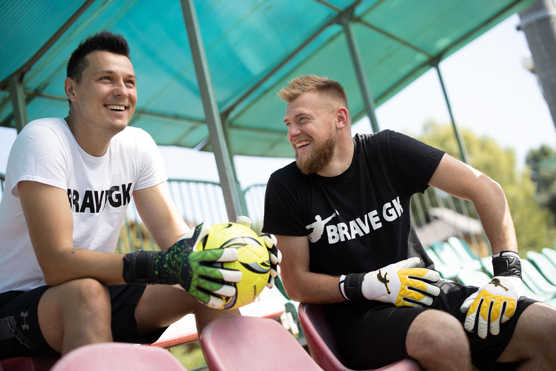 Рустам Худжамов випустив нову колекцію воротарських рукавиць - магазин Brave GK